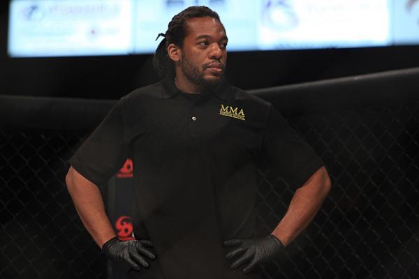 UFC ref 4