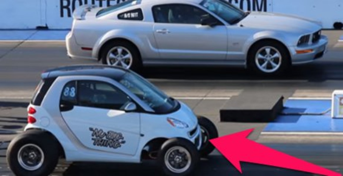 Smart Car Totally Destroys A Mustang In Drag Race And We Still Can T Quite Understand It